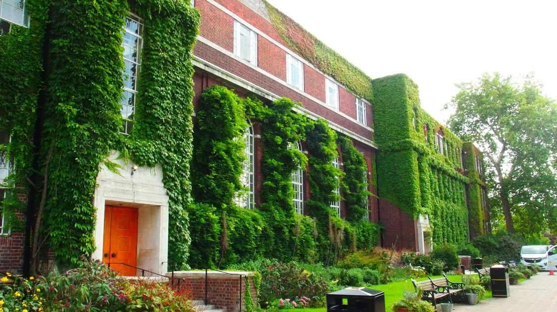 リージェンツ大学