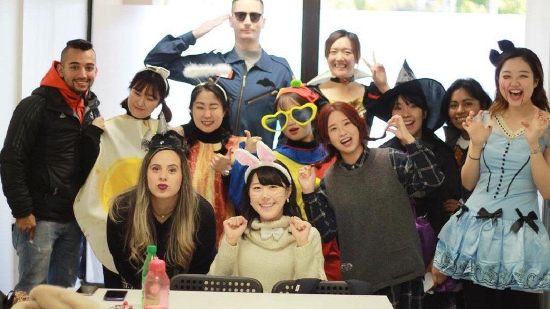 留学中の本場のハロウィンを楽しむハロウィン仮装コスプレ
